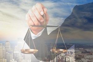 מקרקעין ומשפט מסחרי
